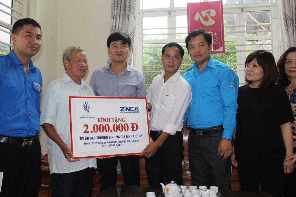 Zinca Việt Nam thăm và tặng quà cho các gia đình chính sách